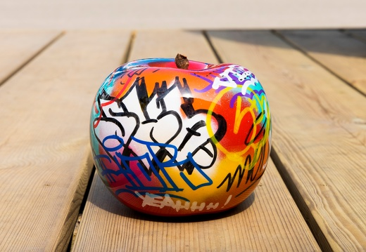 apple graffitimediumplus1