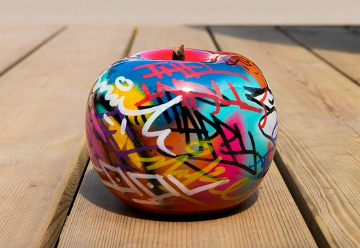 apple graffitimediumplus4