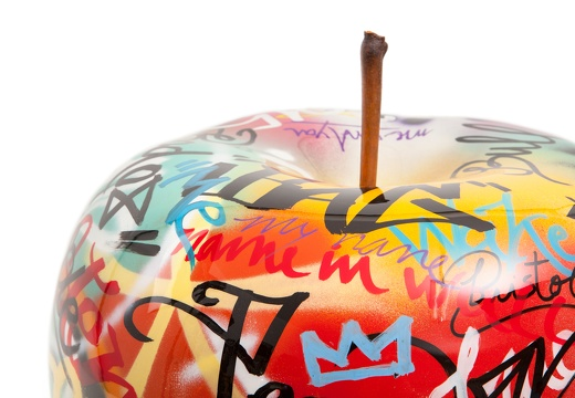 apple graffiti closeup3